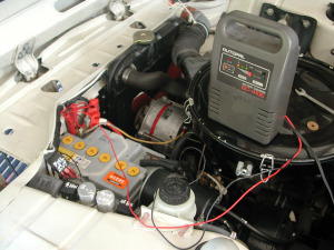 BMW2002のバッテリー充電中